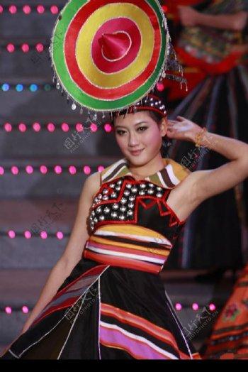 少数民族舞蹈图片
