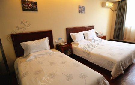 酒店标准间双床房