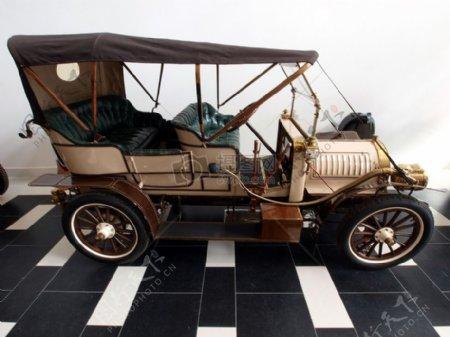 世爵1907年