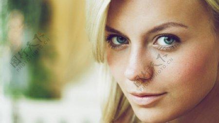 欧美女人脸部特写图片