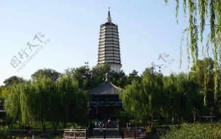沈阳塔湾舍俐塔和亭子景观图片