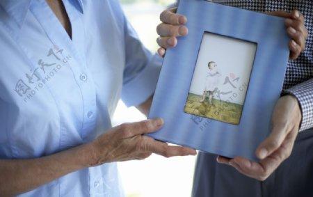 浅蓝色木制相框图片