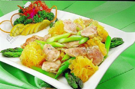 豫菜鲜芦笋炒竹笙夹图片