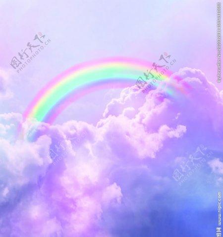 彩虹照射七彩云朵天空意境装饰图图片