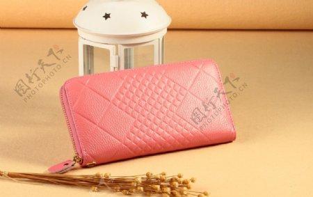 粉色手包图片