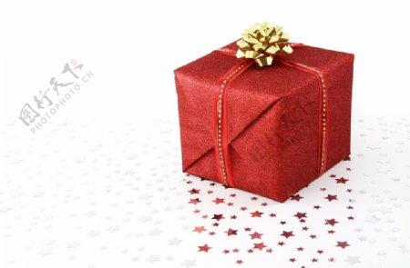 红色礼物盒图片