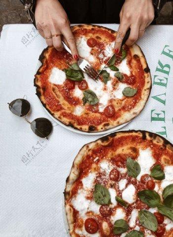 披萨海报图片