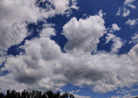 夏季天空白云图片